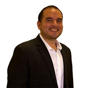Alex Pazos director ventas hanwha 300x300