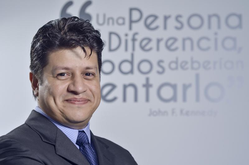 Luis Carlos Delcampo Gerente de Producto y Mercadeo Tyco