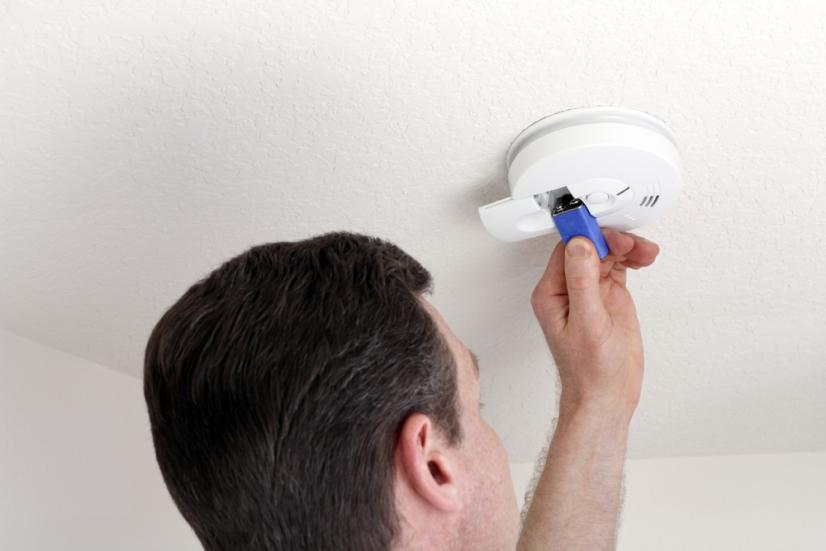 Cuál es la diferencia entre los detectores de humo que se pueden comprar en una tienda